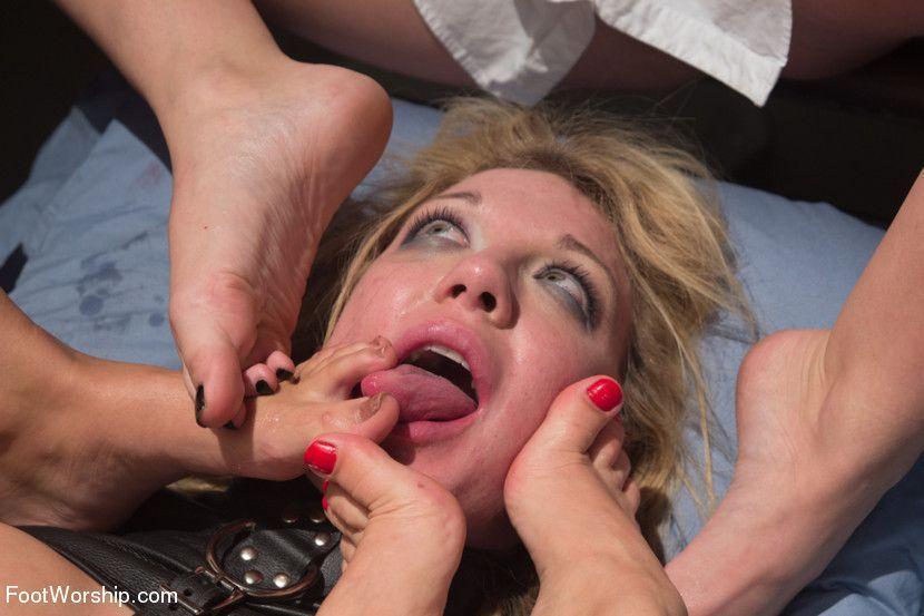 Age exibishonism fetish kink limit no public sex toilet voyerism foto 991