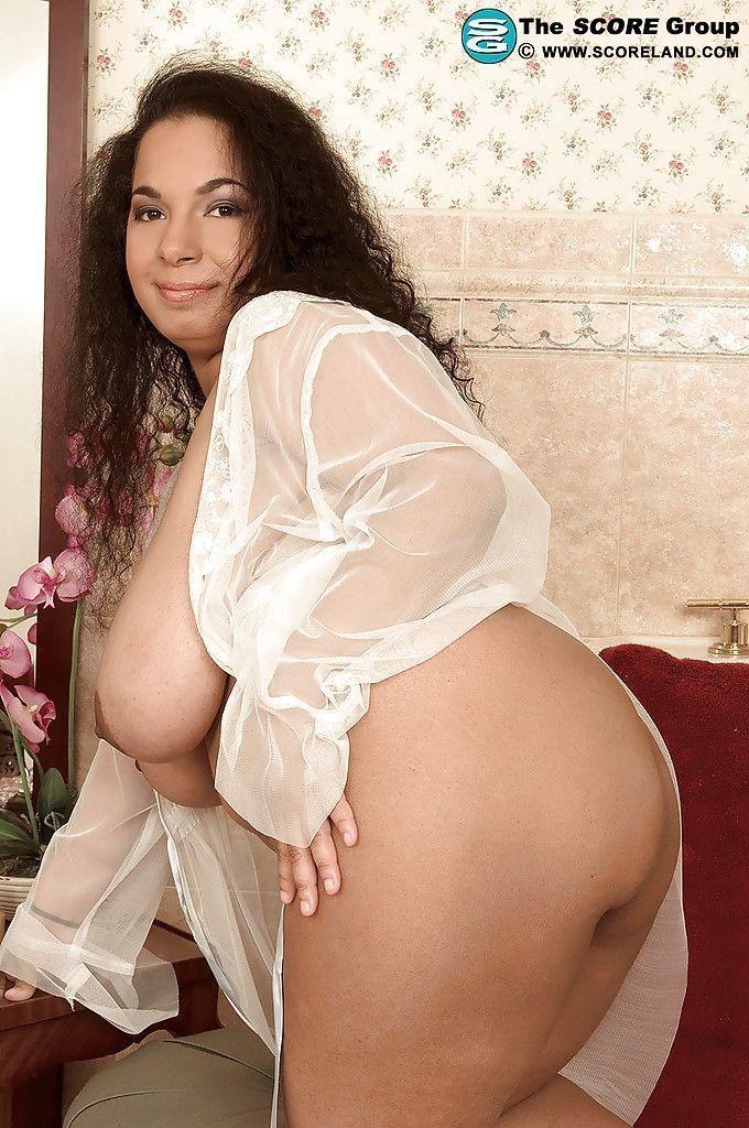 Latin mature big tits nude