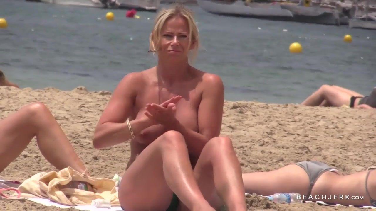 Green T. reccomend Topless beaches voyeur