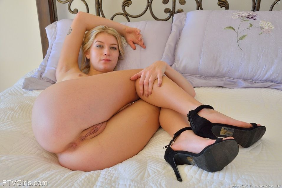 Hot blonde doggy style sex blog