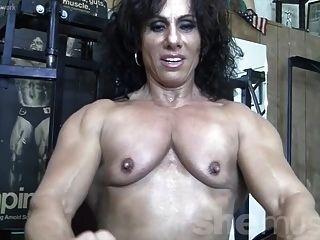 Annie rivieccio bisexual