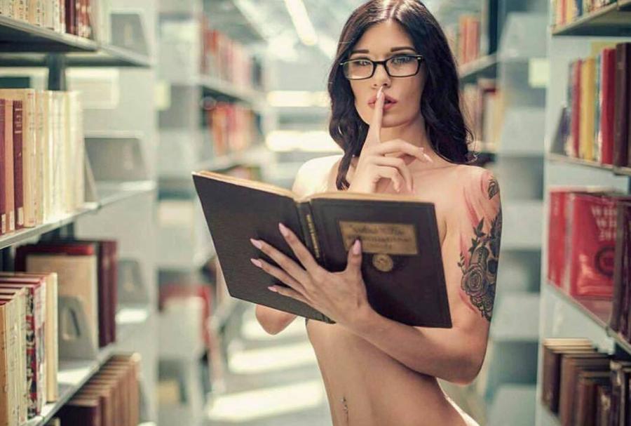 Lady L. reccomend Hot sexy erotica for reading