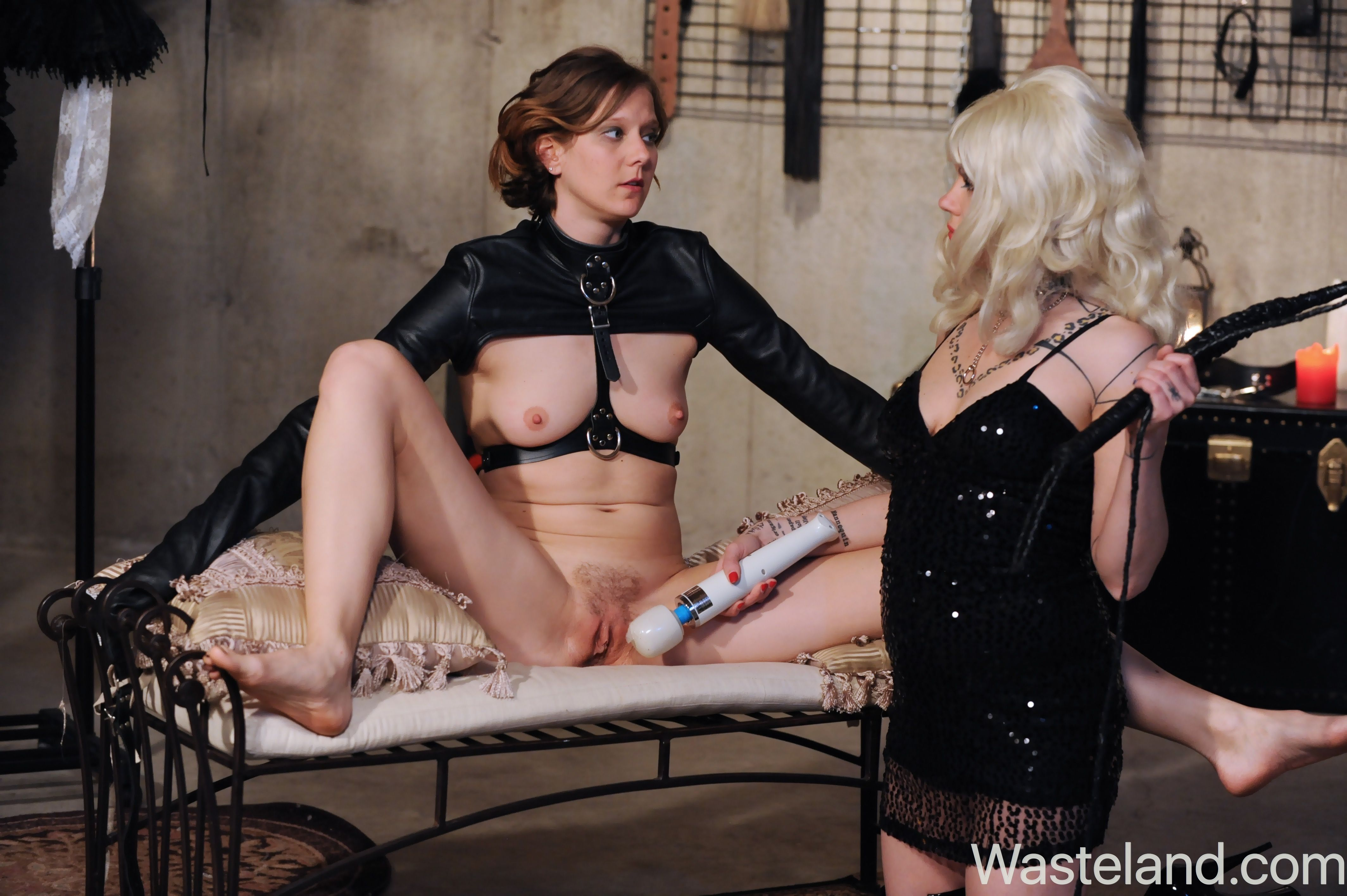 bondage club go feminin erotik