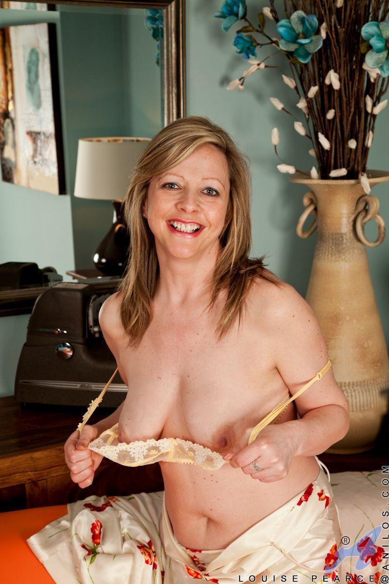 Nudist mature vagina gallery