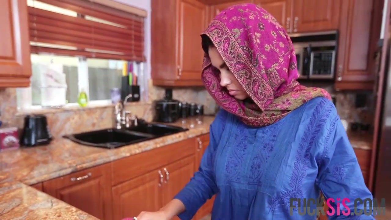 Marigold reccomend Middle Eastern cutie Ada cream filled