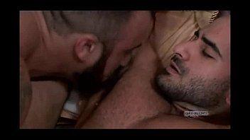 Gay bear lick armpit - Sex photo.