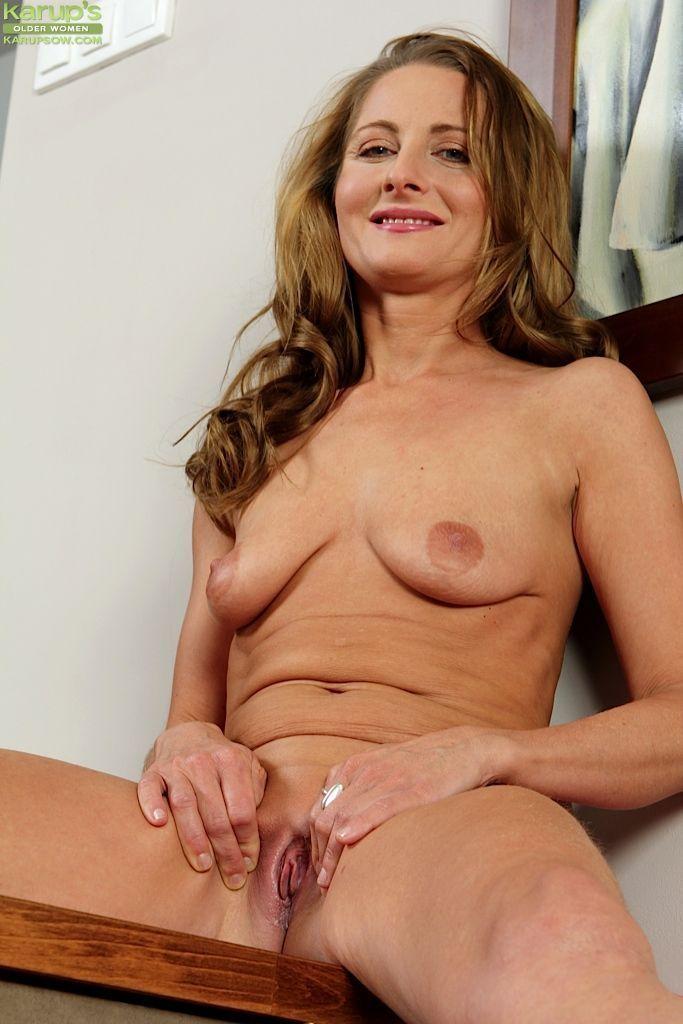 8 ball nude women