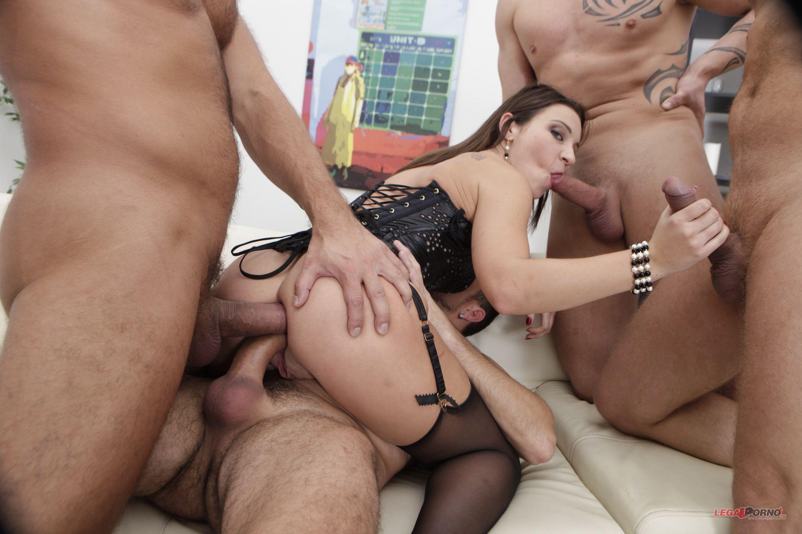 Amelia Cooke Naked penetration - hot naked pics