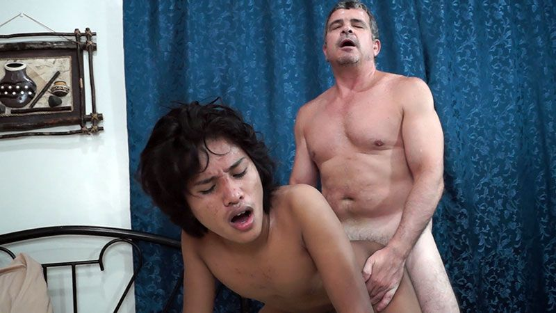 Big tits a t work 070412