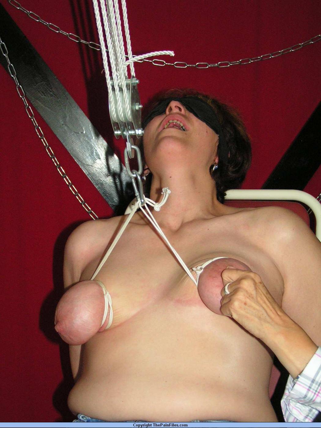 Mature boobs needle . Random Photo Gallery.