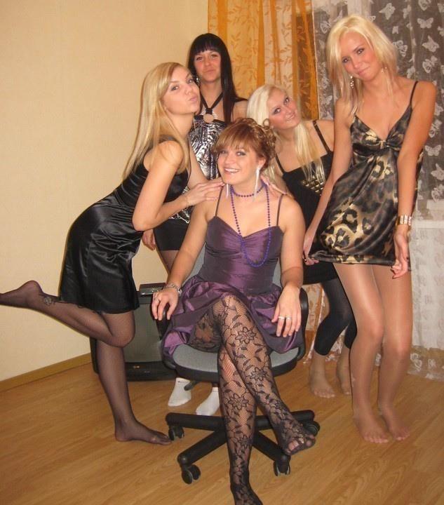 Junior M. reccomend Pantyhose amateur candid party