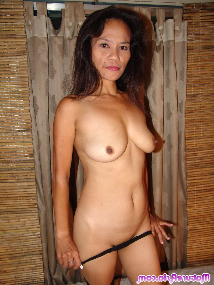 amateur naked Asian mature
