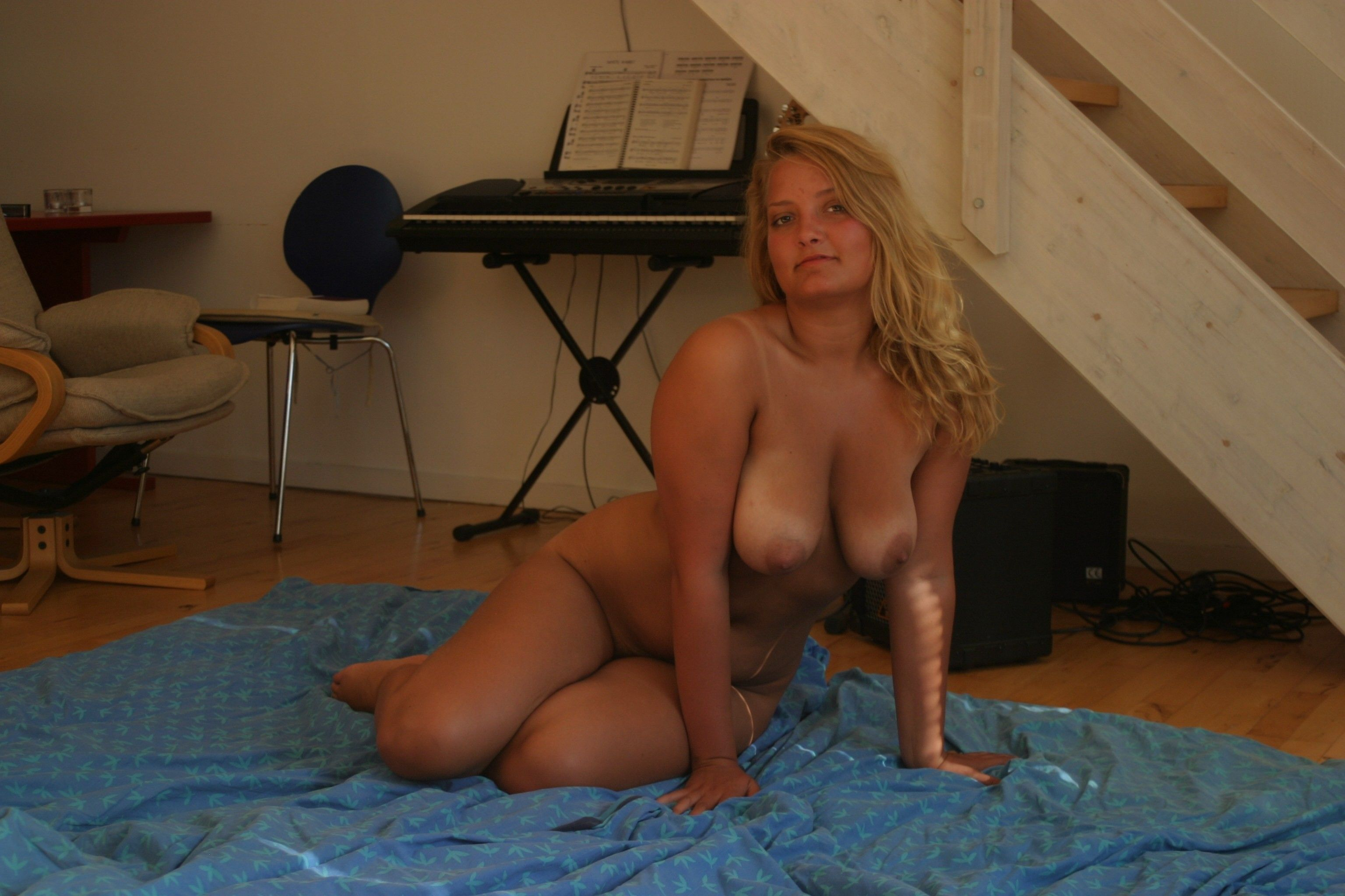 Hot naked amateur