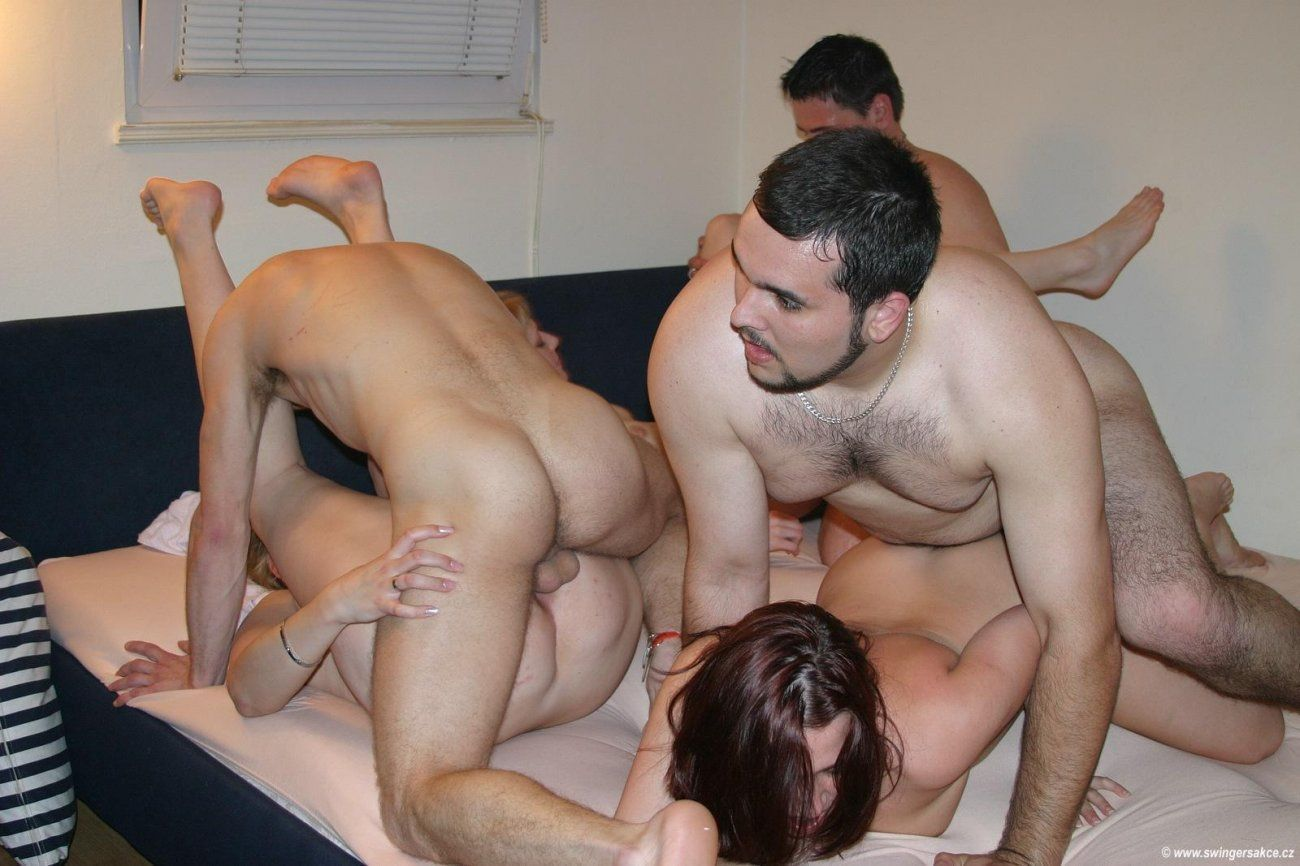 Having sex with mature men and women video