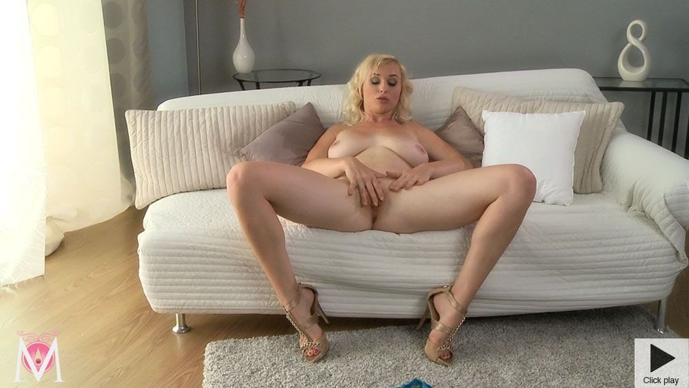 Wife masturbation tube