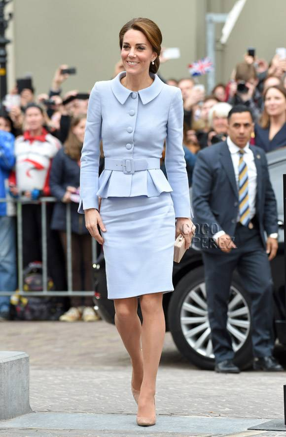 Jolly reccomend Kate middleton in pantyhose