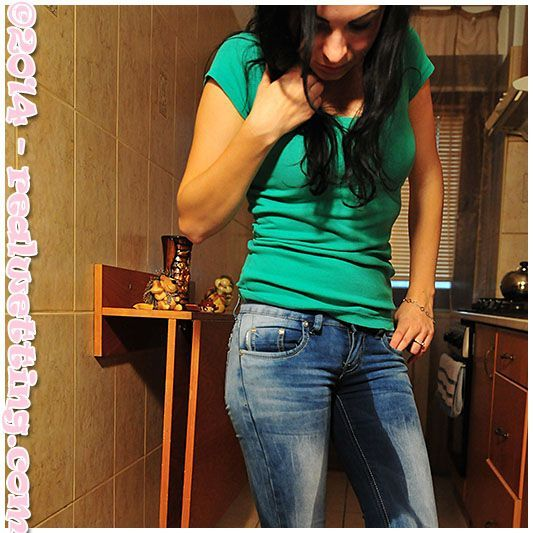 Pants peeing wetting