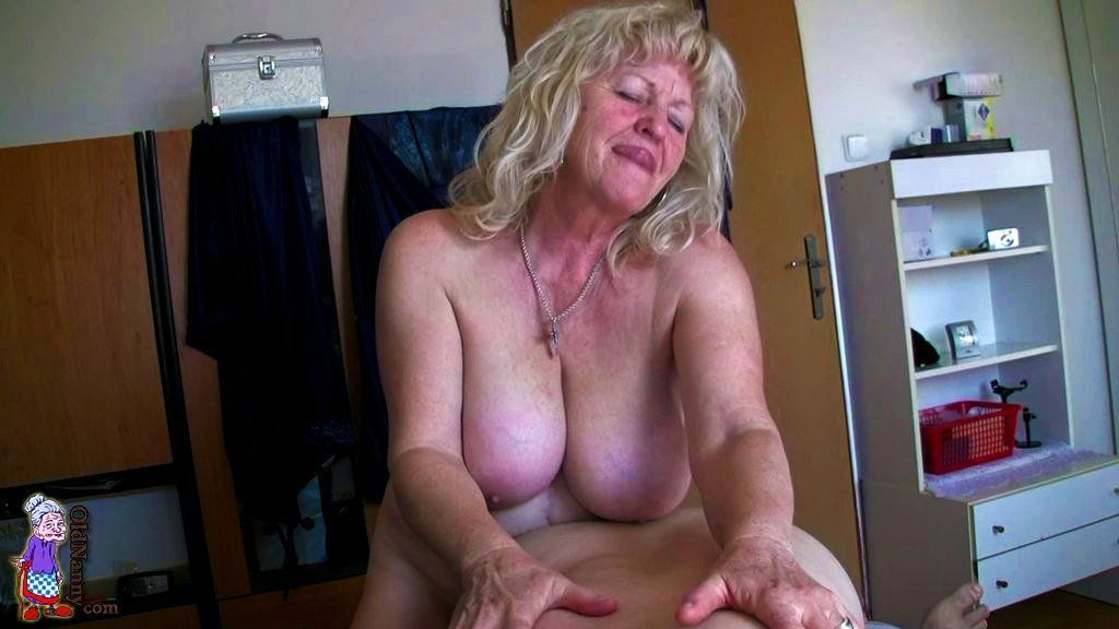 Free mature squirt porn