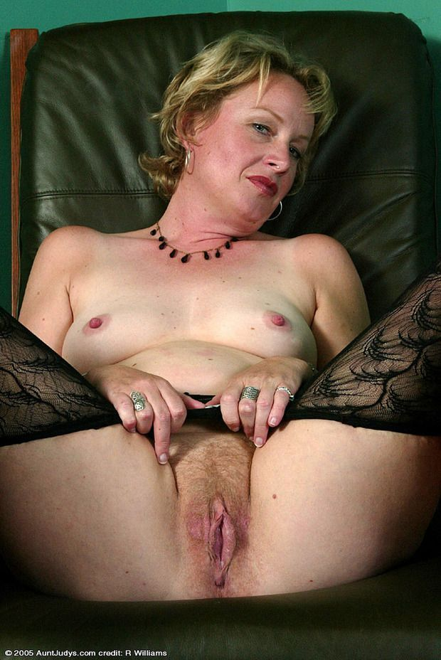 Gorgeous naked sex