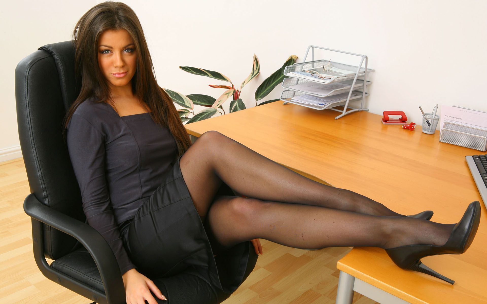 Matchless theme, Galleries fully clothed mature women