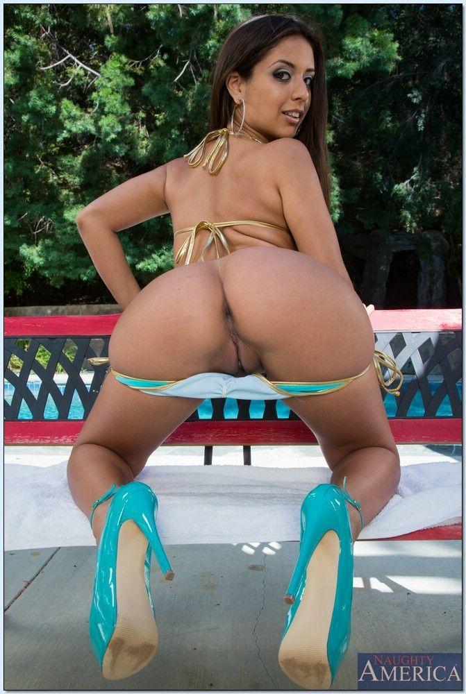 Latina bikini nude