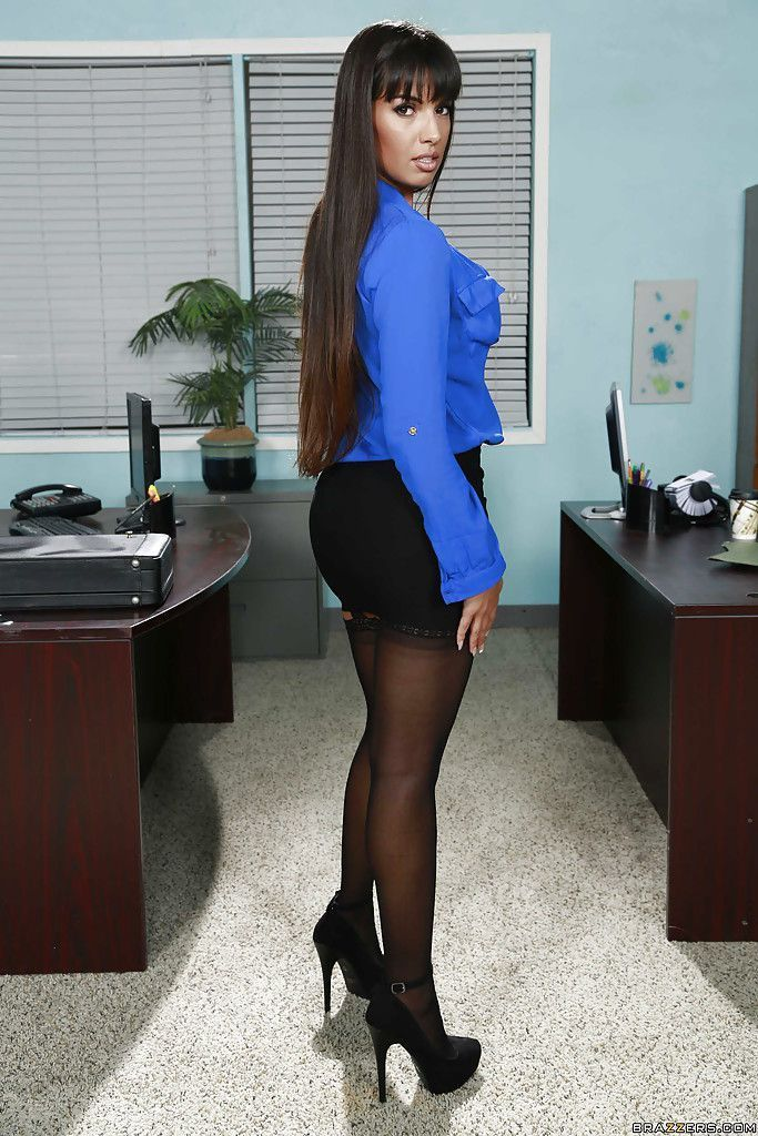 Betty B. reccomend Latina office porn