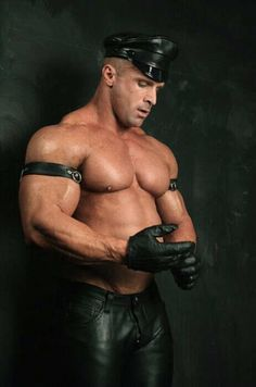 Finch reccomend Mature gay leather galleries