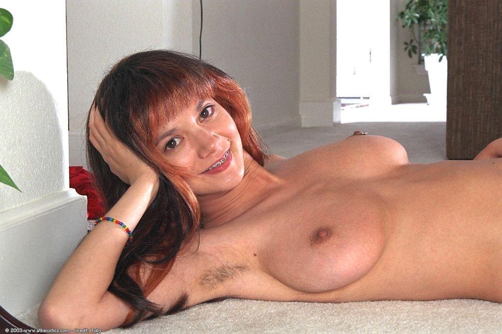 Яблочко hairy underarm nude share your