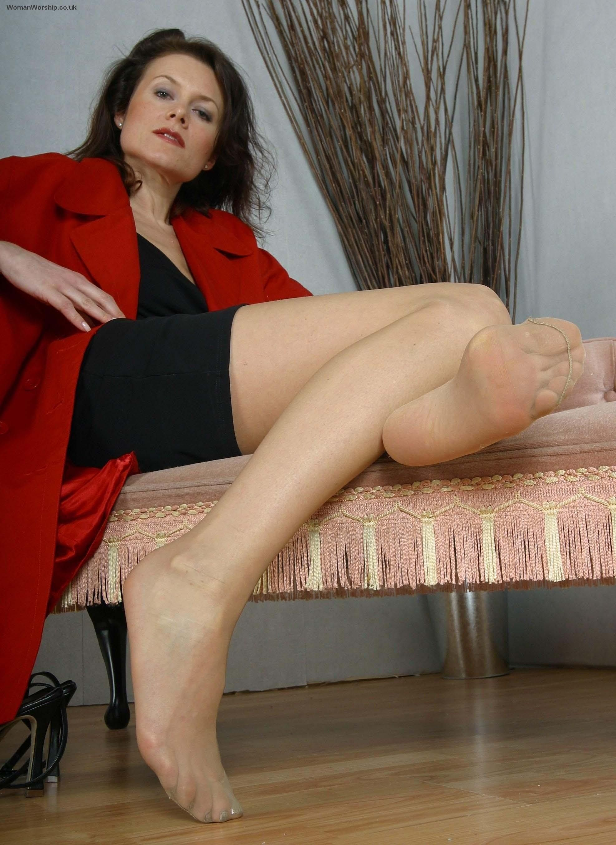 Natural pantyhose mature galleries