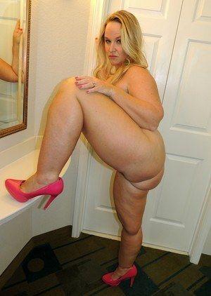 big breasted horny milf porn