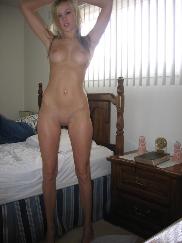 mistake can here? kylie wild touches her clit flirtatiously thanks for the