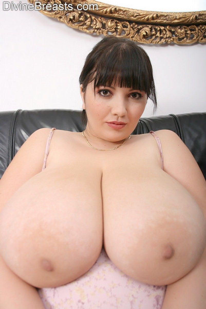 Bbw Huge Boobs Mom Porn large natural boobs - random photo gallery.